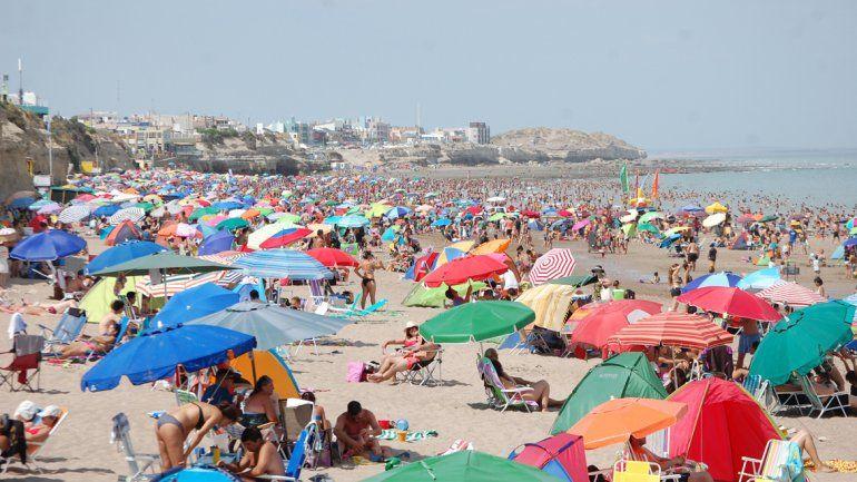 En la costa esperan que el finde llegue con más turistas