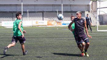 Morán integró el once titular. Piñero da Silva no fue parte de la práctica formal de fútbol por una molestia.