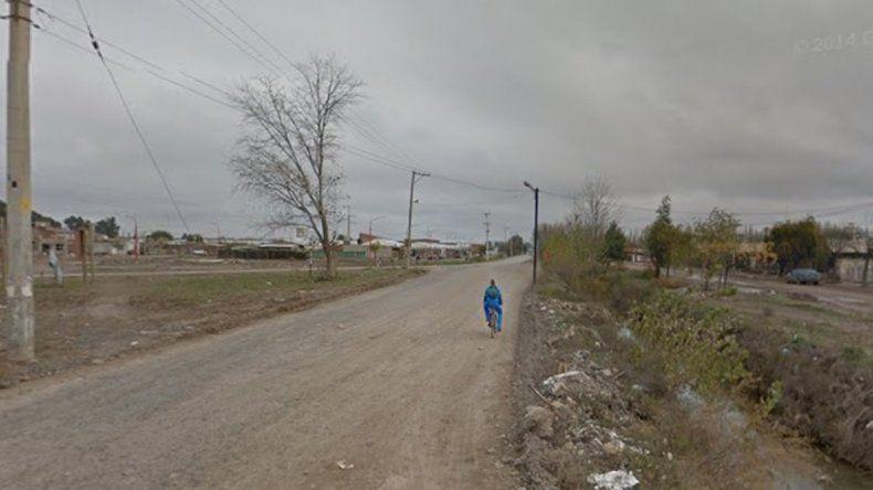 Una pareja con cinco hijos pequeños intentó usurpar un terreno pero la Policía los frenó
