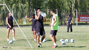 Ávila convenció al técnico durante la pretemporada y tendría su lugar.