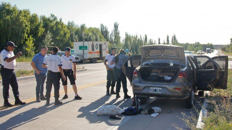 El operativo se realizó cerca del puesto caminero que la Policía tiene en el tercer puente hacia Neuquén.