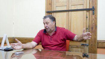Para el productor Eduardo Artero, la situación para la actividad en las chacras se vuelve insostenible y los funcionarios y políticos no dan en el clavo.