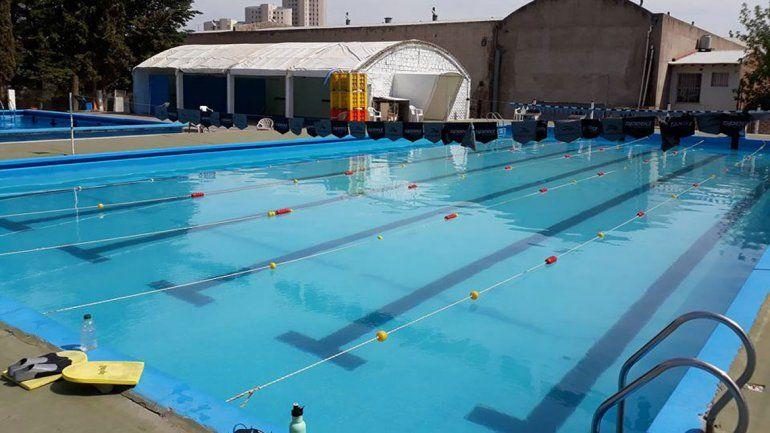 Impecable quedó el natatorio albinegro para la cita histórica.