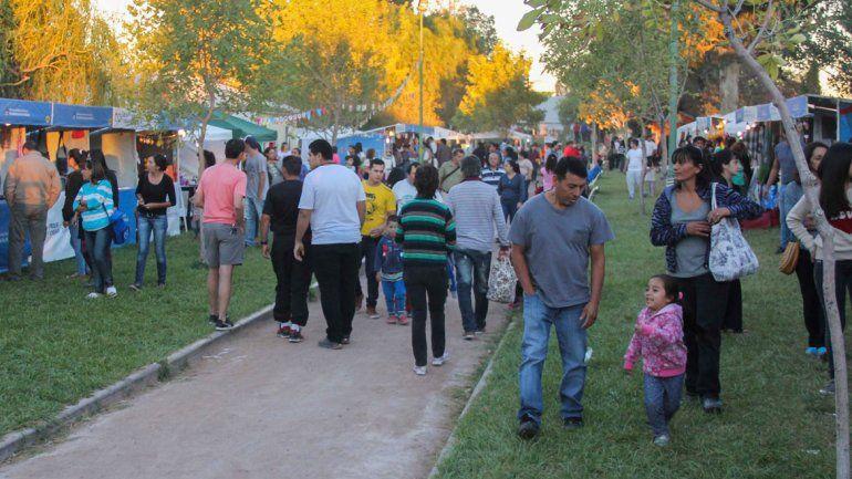 La Feria de Artesanos y Emprendedores y el Paseo Cultural atrajeron a miles de cipoleños en la edición 2017. Ahora se espera también una gran respuesta.