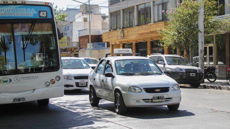 El estacionamiento pago podría afectar a los colectivos