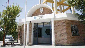 Los dueños de casa denunciaron la balacera en la Subcomisaría 79.