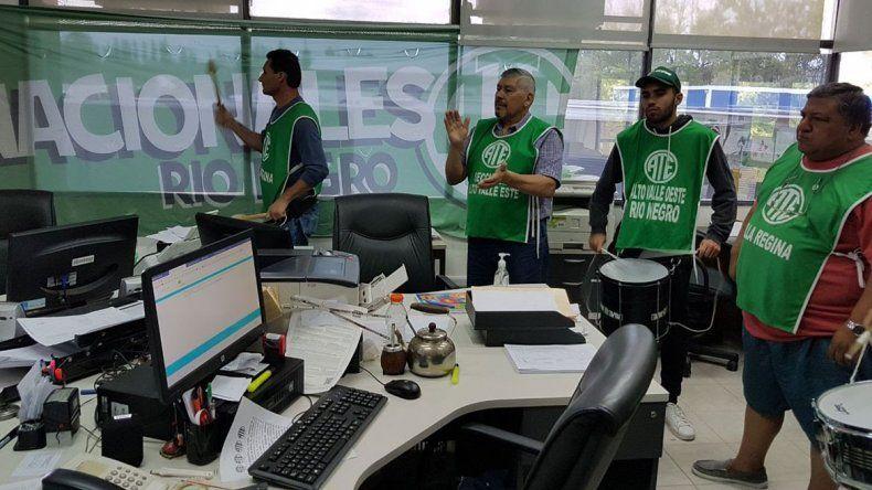 ATE paralizó las actividades administrativas en la aduana de Regina.