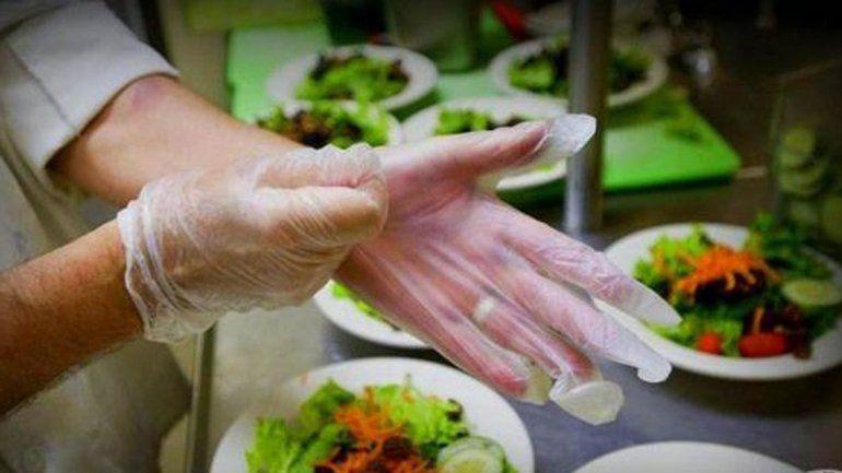 La manipulación y manejo de alimentos requiere de cuidados.