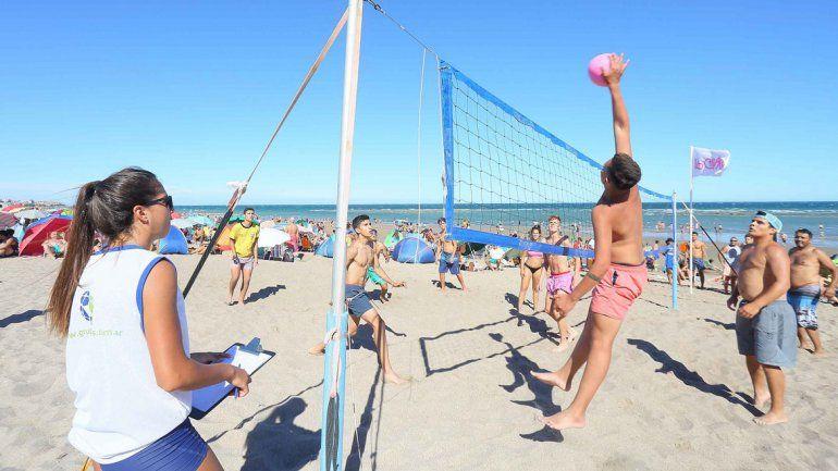 En Las Grutas hay actividades recreativas en la Quinta Bajada.
