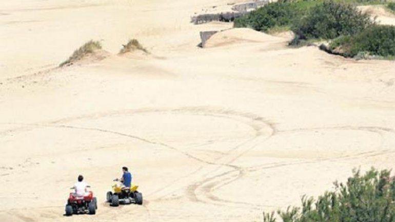 Continúan las versiones cruzadas por la muerte de un nene en la Costa