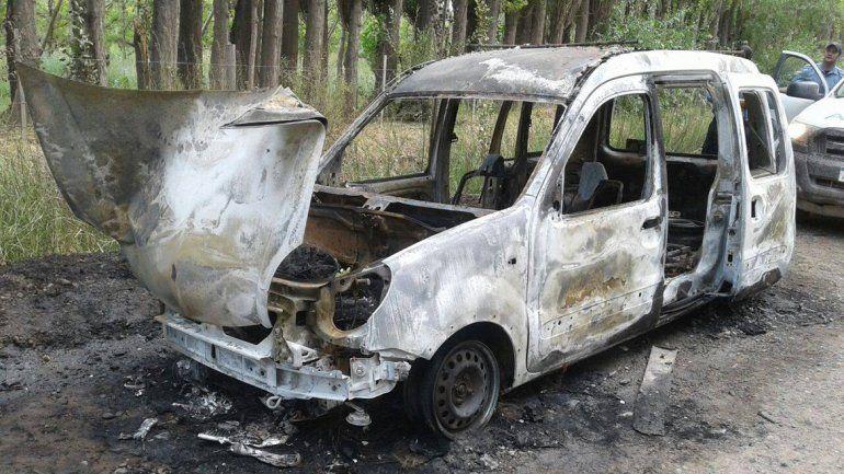 Desalmados robaron y quemaron la camioneta de una organización solidaria