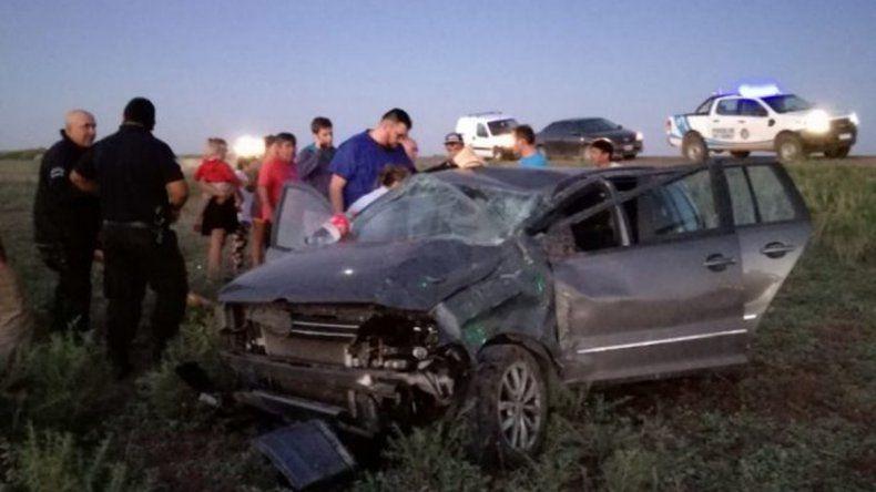 Otro vuelco en la Ruta 151: una mujer sufrió heridas de gravedad por el impacto