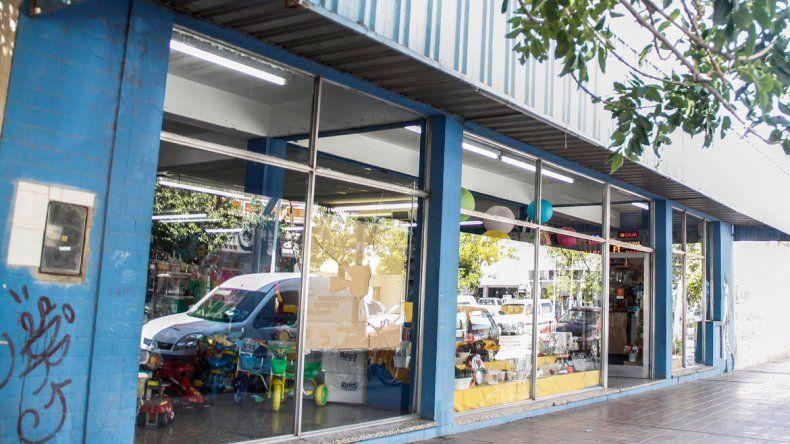 Rompieron la vidriera de un negocio ubicado en calle Brentana.