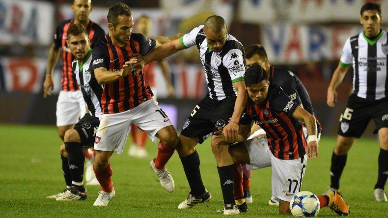 Jara formó parte del equipo titular de Cipo que enfrentó a San Lorenzo.