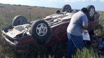 De no creer: otro vehículo volcó en la Ruta 151 camino a Catriel