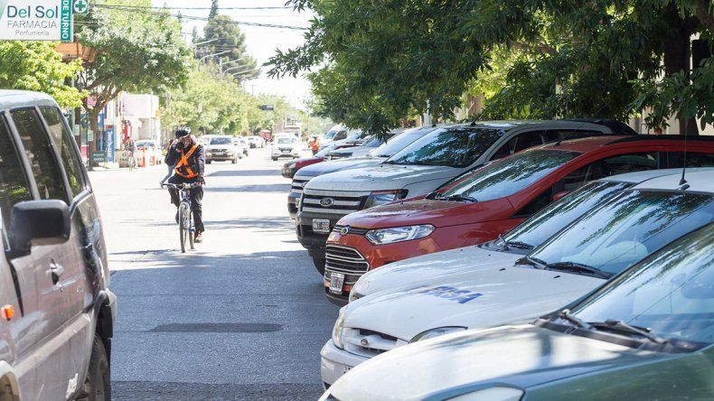 A partir de hoy habrá que pagar para estacionar en la zona comprendida por las calles Brentana