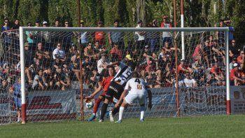 Hace 10 días, Piñero da Silva le marcó tres goles a Independiente en La Chacra por la Copa Argentina.