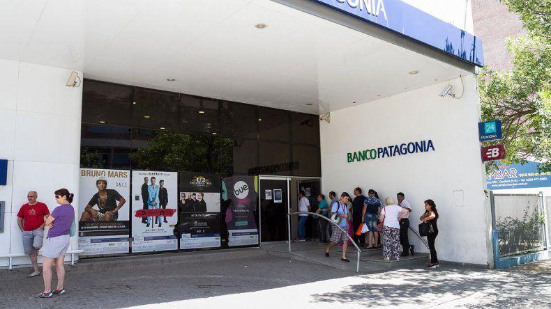 Bancarios pactó el pago de hasta $10.500 a cuenta de futura paritaria