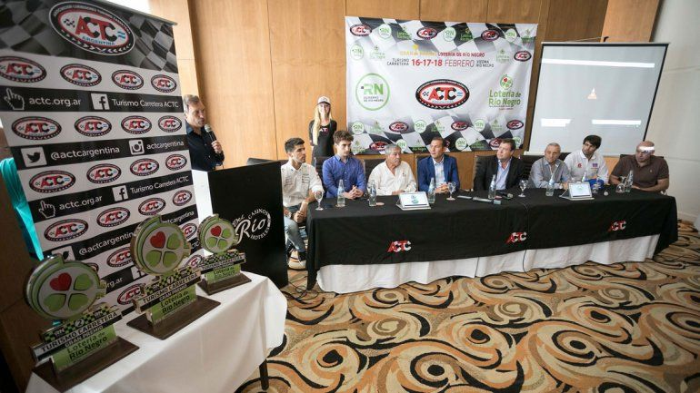 En el Casino del Río se realizó el lanzamiento de la primera fecha del campeonato del Turismo Carretera.