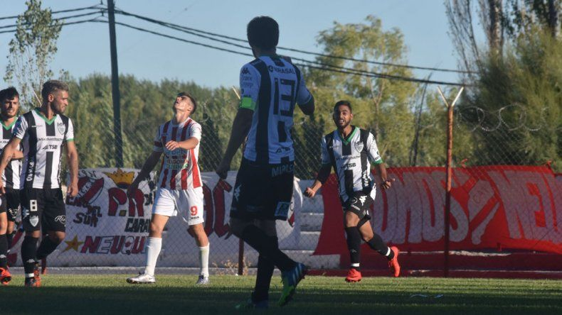 Carrera marcó uno de los tantos en la goleada 5-0 al Rojo por Copa Argentina.