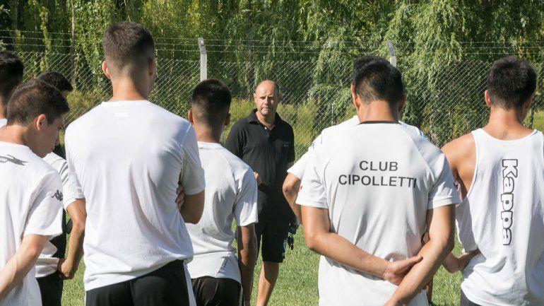 Cipolletti entrenó toda la semana en el ex predio Banco Nación.