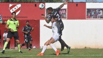Botella sacó del once a Medina, por Velázquez, quien también había estado en el 5-0 ante el Rojo por la Copa.