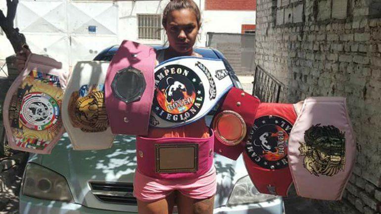 La deportista cipoleña tiene 18 años y 26 combates como invicta. Ahora quiere dar el gran salto al profesionalismo.
