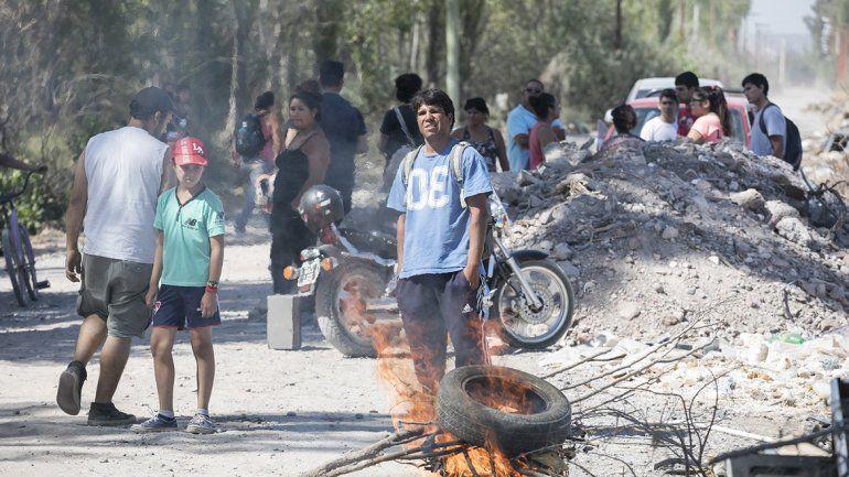 Desalojaron por la fuerza un asentamiento en Oro