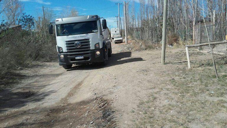 El camión realiza cinco viajes por día para completar el recorrido.