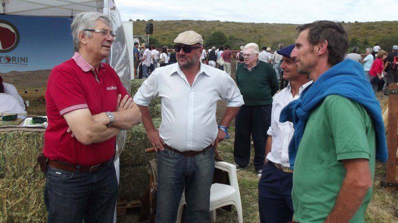 El ministro Alberto Diomedi participó de la Expo Rural en Bariloche.
