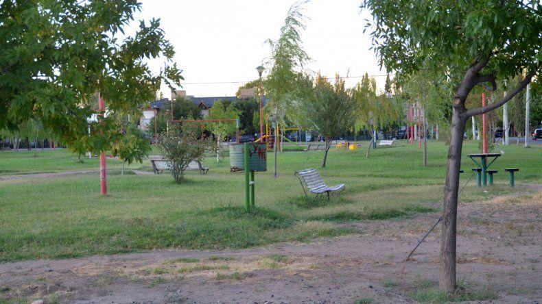 Los habitantes del barrio 12 de Septiembre sienten un gran temor por la plaza en que han ocurrido los envenenamientos de animales.