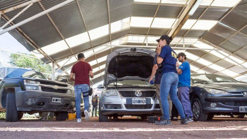 El auto que había sido secuestrado por la Policía fue un Volkswagen Passat.