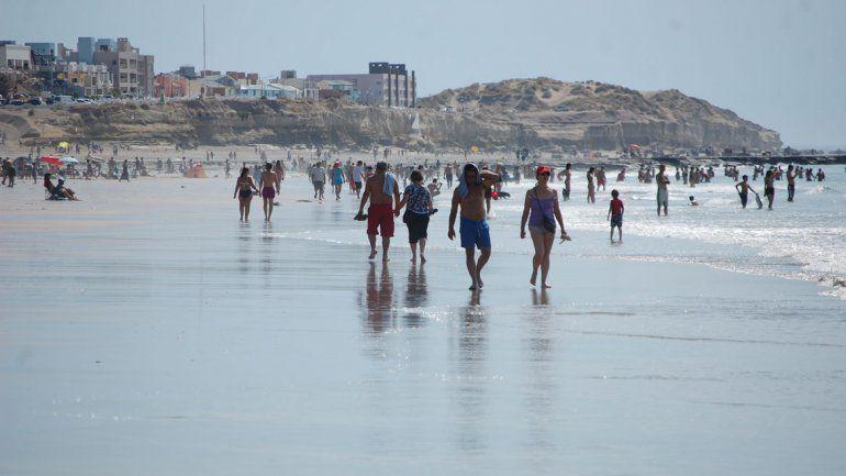 Las playas no lucieron colmadas como otras temporadas