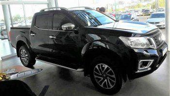 La valiosa camioneta Nissan Frontier fue robada a plena luz del día.