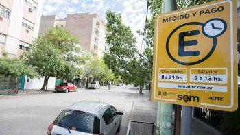 Tras una experiencia de algo más de tres semanas, el Municipio y Altec decidieron introducir algunas modificaciones en el estacionamiento medido.