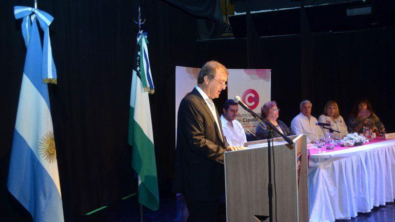 Tortoriello se emocionó cuando habló de la llegada de los servicios públicos a las tomas de la ciudad.