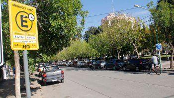 Estacionamiento pago: en sólo un mes ya se hicieron 800 multas