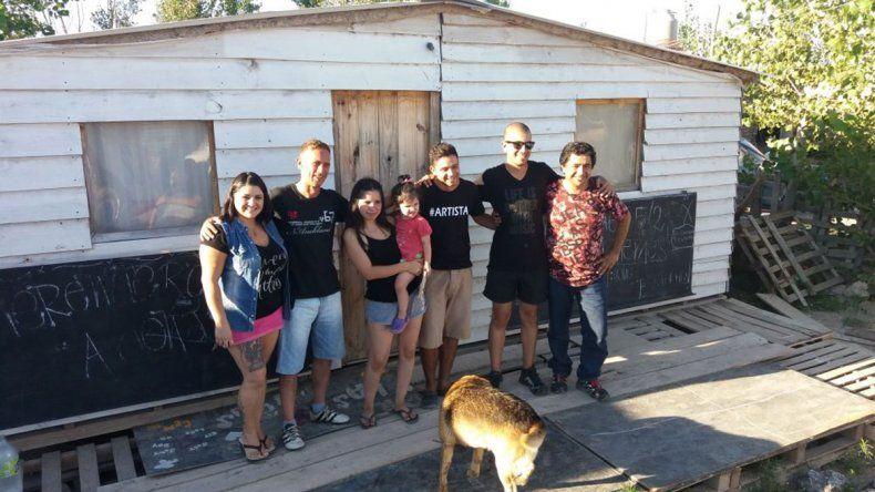 Sorpresa: donan casa prefabricada al merendero Adonai