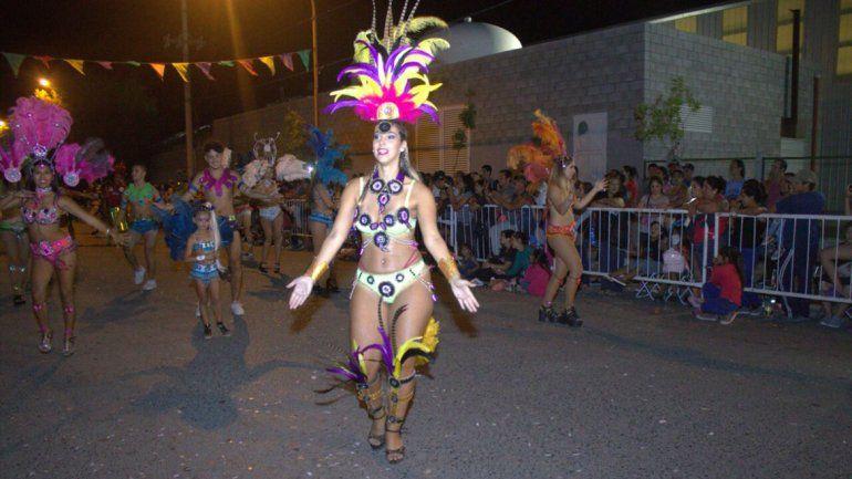 El Carnaval de los Peques fue un éxito de murgas y de espectadores.
