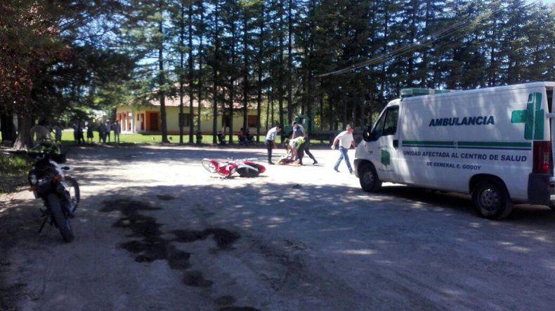 Una adolescente murió al chocar la moto en la que manejaba un joven ciego