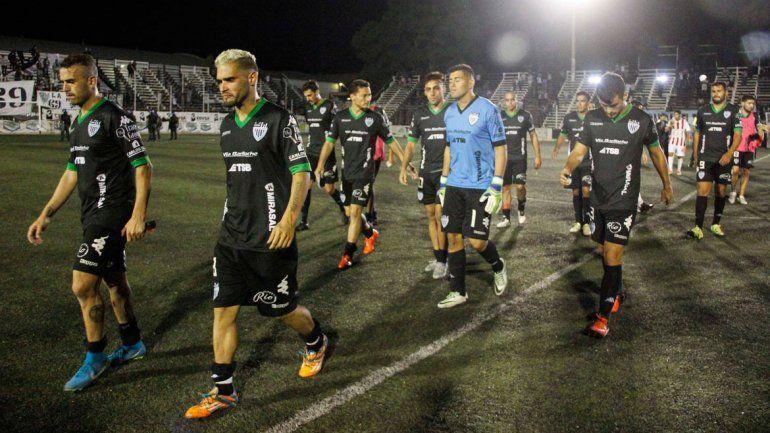 Cipolletti en el peor momento futbolístico desde el año 2006. Peligra con el descenso y se viene la renovación.