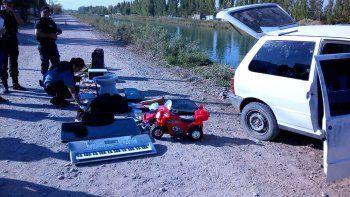 Cinco pibes chorros se robaron un auto y protagonizaron raid