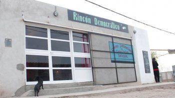 Local del grupo Rincón Democrático donde deliberaron los vecinos.