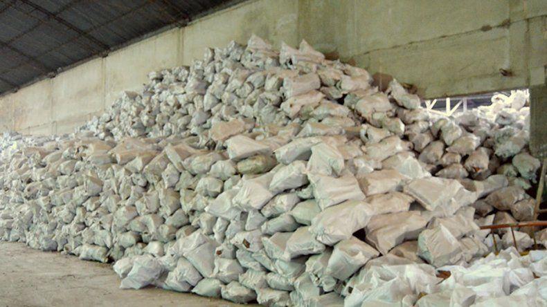 La leña será entregada a familias que no tienen calefacción en sus casas.