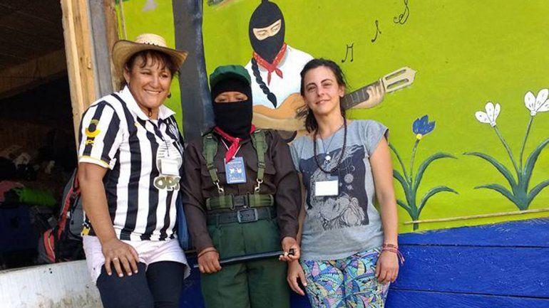 La dirigente Lilia Calderón compartió con las militantes del zapatismo.