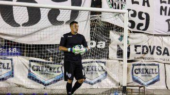 Crespo viene de atajar los últimos dos partidos, pero Alasia cumplió la sanción y será el 1 ante Rivadavia.