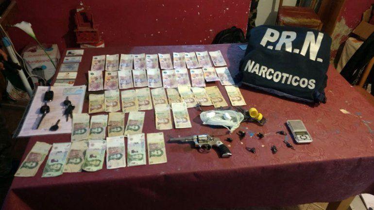 En los allanamientos fueron secuestrados 25 mil pesos en efectivo.
