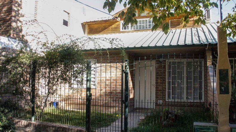 Se realizó una fiesta clandestina en una casa del barrio Mercantiles.