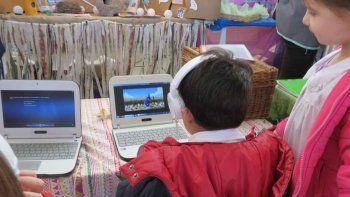 Los docentes se formarán para aplicar tecnología a sus clases.