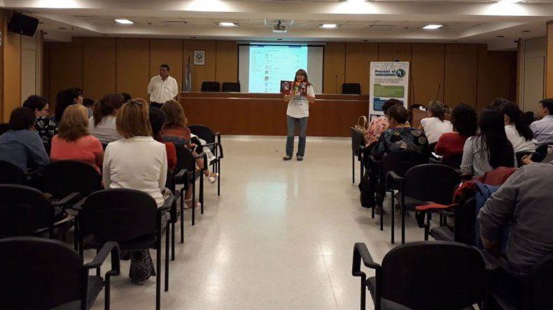 Rosa Castro presidió una charla en la Ciudad Judicial de General Roca.